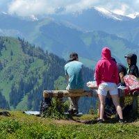 в горах Алматы :: Горный турист Иван Иванов