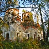 Когда-то люди здесь молились, крестились.... :: Наталья