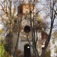 Заброшенный храм :: Наталья