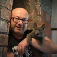 Любимый и счастливый приблудший котенок Вася :: Alex Danilov