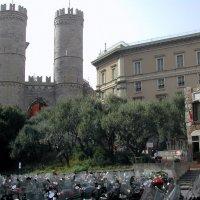 Генуя. Фрагмент ворот Порта-Сопрана :: Tata Wolf