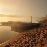 восход на реке :: Августа