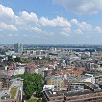 Гамбург с высоты 105,3 :: Nina Yudicheva
