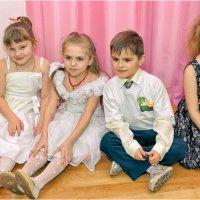 Папки выпускников детского сада :: Дмитрий Конев
