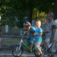 Азарные мальчишки :: Любовь Потравных
