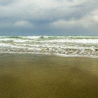 Шторм на Великом пляже :: Gennadiy Karasev