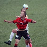 Борьба за мяч :: Андрей Горячев