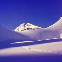 Утро в горах :: Евгений Леоненко