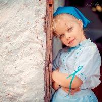 Девочка -  крестьянка :: Марина Зотова