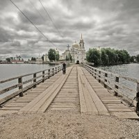 дорога к храму :: Дмитрий С