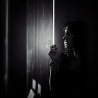 Курить вредно, бесполезно и мне очень не нравится, но так красиво... :: Сергей Пилтник