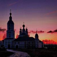 Санаксарский монастырь в закатном свете :: Александр Сендеров