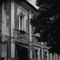 Уставший дом :: Игорь Найда