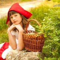 вот она , та самая красная шапочка. :: Дмитрий Пахольченко