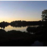 Закат на реке :: Евгений Кочуров