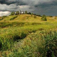 Село Горицы перед грозой :: Валерий Толмачев