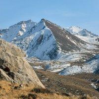 горы осенью :: Горный турист Иван Иванов