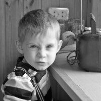 «Но сурово брови мы нахмурим, если враг захочет нас сломать». :: Геннадий Храмцов