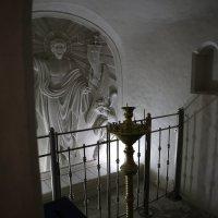 Меловые пещеры в Холках, храм :: Юрий Клишин
