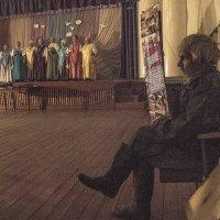 Концерт нюхченских жонок... :: Людмила Синицына