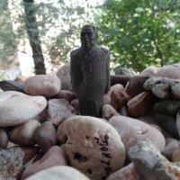 Брежнев в астральном мире на развалинах Советского Союза... :: Алекс Аро Аро