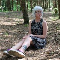 Задумчивая москвичка в Лиепайском лесу :: Елизавета Бородина