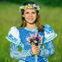 Девочка с букетом :: Виктор Добрянский