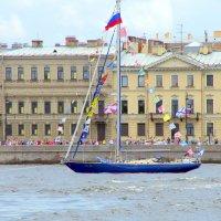 Яхта на Неве :: Валерий Новиков