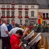 На празднике в старом городе, Дюссельдорф :: Witalij Loewin