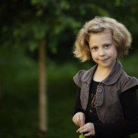 Девочка в закатном солнышке. :: Оксана Бойко