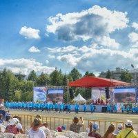 Фрагмент праздничного концерта :: Валерий Кабаков