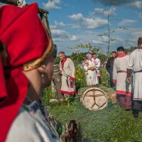 Мы себе и предки и потомки! :: Ирина Данилова
