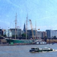 Парусник-музей и баркасы в порту Гамбурга :: Nina Yudicheva