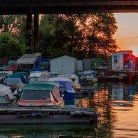 Лодочная станция на закате :: Artem Zelenyuk