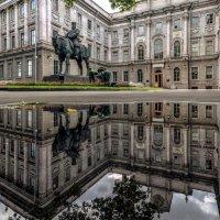 Царь - он и памятник царь :: Valeriy Piterskiy