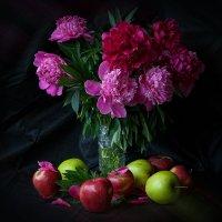 Натюрморт с цветами :: Владимир