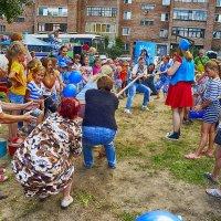 Соревнование мам и бабушек. :: Валерий Кабаков