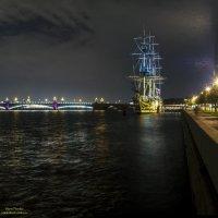 Ночная набережная :: Valeriy Piterskiy