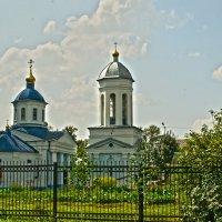 храм в парке... :: Алёна Алексаткина