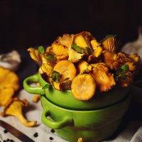 Mushrooms :: Katie Voskresenskaia