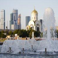 Фонтан в Парке Победы :: Alexey YakovLev
