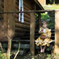 Девочка в деревне :: Анастасия Исайкина