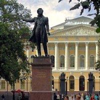 Я памятник себе воздвиг нерукотворный... :: Сергей Карачин
