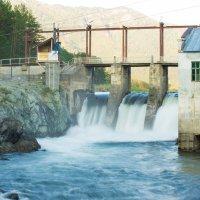 заброшенная ГЭС :: Maksim Polunin