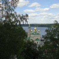 Воскресенский храм в Плёсе :: Евгения Куприянова