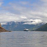 Ship in Neroyfjord :: Roman Ilnytskyi