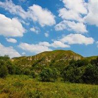 Холмы и облака :: Дмитрий