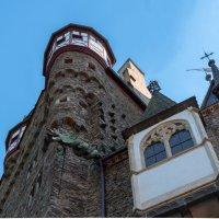 Замок снизу. :: Witalij Loewin