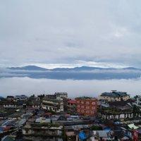 Индия. Дарджилинг-город, парящий в облаках :: Gal` ka