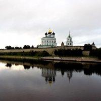 Псковский кремль :: Алексей Корнеев